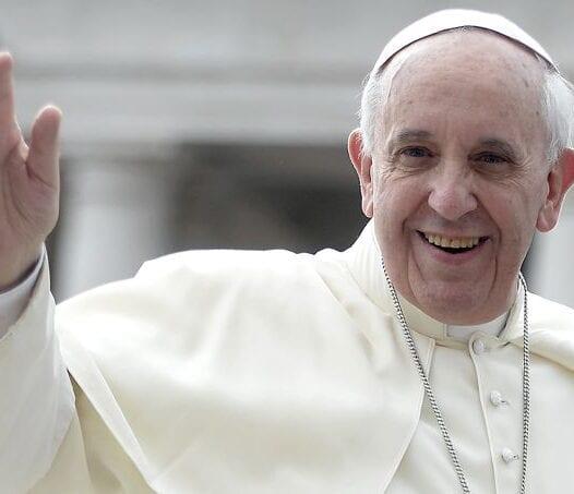 Plus de responsabilités pour les laïcs et pour les femmes : le Pape François insiste en ce mois d'octobre